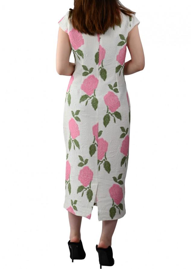 فستان الورد الجوري بلون زهري