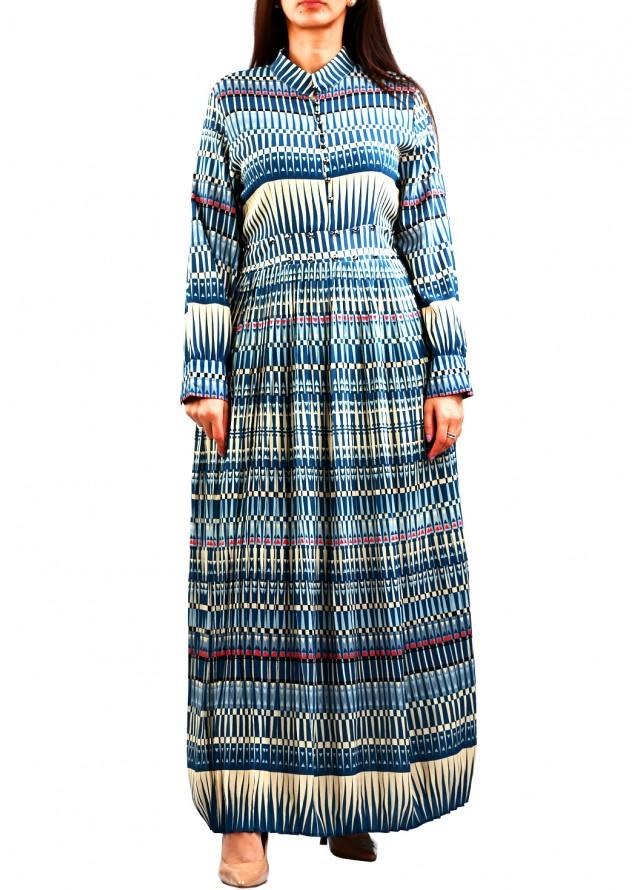 فستان ماكسي برقبة مغلقة بلون سماوي
