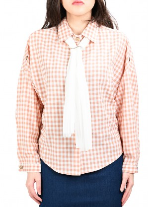 قميص كاروهات بيسك بربطة بلون زهري
